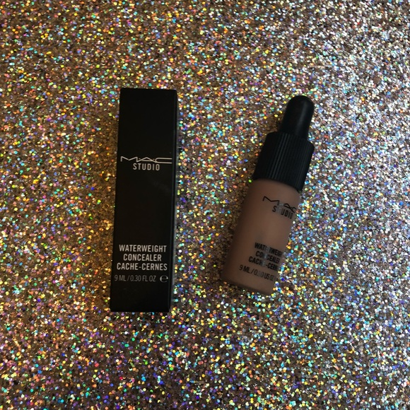 MAC Cosmetics Other - Water weight concealer